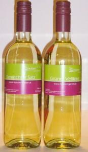 Beide Weinflaschen